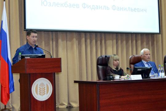 Главный ветеринар «Героя» Фадиль Юзлекбаев рассказал о фантастических результатах. К примеру, из 80 коров, у которых был диагностирован хронический мастит и которых уже готовили на убой, полностью выздоровели 73