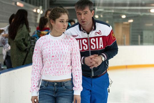 В России уже есть один конкретный пример, когда на новом месте за счет привлечения знаменитого тренера удалось создать сильную школу фигурного катания. В Сочи тренирует олимпийский чемпион Алексей Урманов