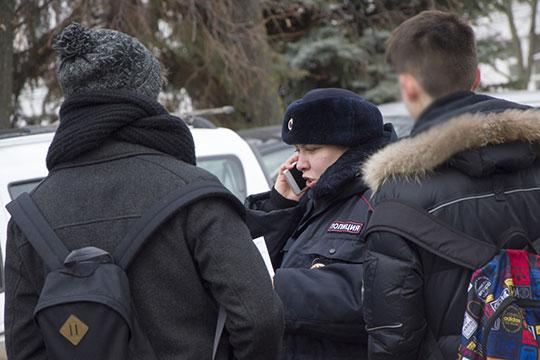 «Казань все еще неизбавилась отгоп-движения, ихотя оно инетакое откровенное, как в70-х-80-х, риск попадания ребенка вгруппировку реален»