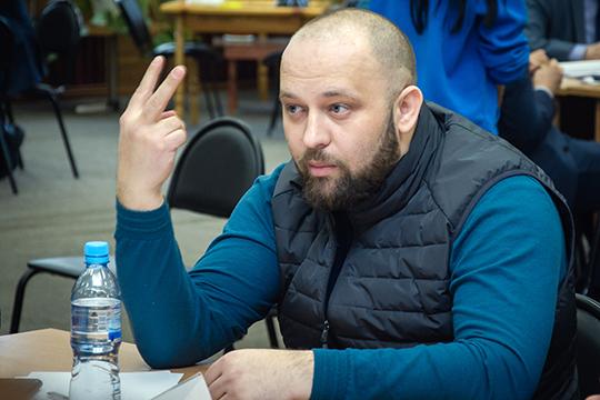 Федоров пояснил, что предоставить новые помещения власти обещали обоим драмтеатрам— ирусскому, итатарскому, ноконкретные действия предпринимаются пока только вотношении последнего
