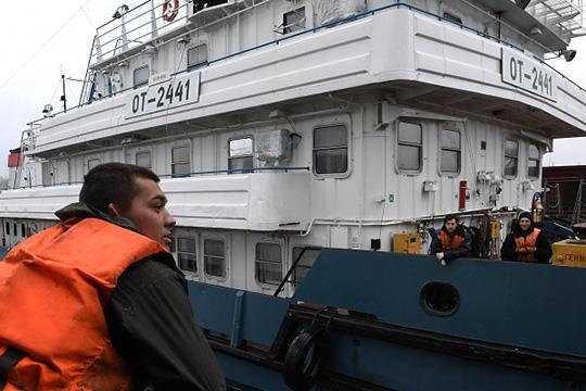 «Мызарабатываем, аденьги уходят мимо порта!»: капитаны «Татфлота» бегут скораблей
