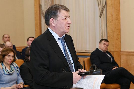 Радик Хасанов рассказал,что раньше экспортерам компенсировались 80% затрат натранспортировку продукции. Нопоновым правилам компенсация начисляется только наобъем прироста экспорта кпрошлогоднему