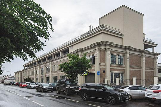 Гилязов был готов расстаться с жильем общей площадью более тысячи кв. метров в домах № 9 и 9А (на фото) на улице Баумана в центре Казани