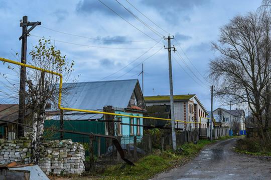 Встал вопрос сноса коттеджей исадовых домиков местных жителей, расположенных наземле, покоторой пройдет трасса