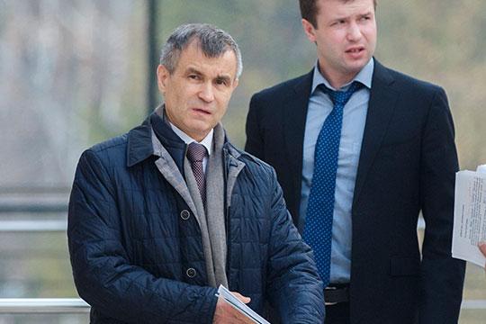 Рашид Нургалиеввжизни московских татар непринимает активного участия, но место внашем рейтинге объясняется его «включенностью» вкасту российских силовиков, которую онинедумает покидать