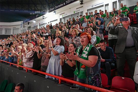 На домашние матчи УНИКСа приходило в среднем по 3400 зрителей