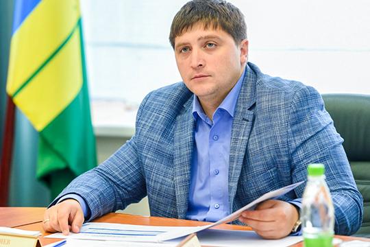 Радмир Беляевнапомнил, что«Волга» имеетстатус крупнейшего подрядчика «Татнефти», аэто что-то дазначит. «Финансовыми ресурсами компания владеет»,— считает Беляев