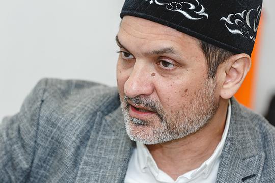 Имам-хатыйб мечети «Миргазиян» Абудурауф Забиров непонимает, зачем вего культовом учреждении, где итак стоит восемь камер, нужны новые способы видеофиксации