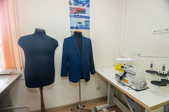 «То поколение людей, которое в 90-е годы построило бизнес, сейчас имеет возможность реализовать свои желания в своем имидже через индивидуальный пошив одежды»