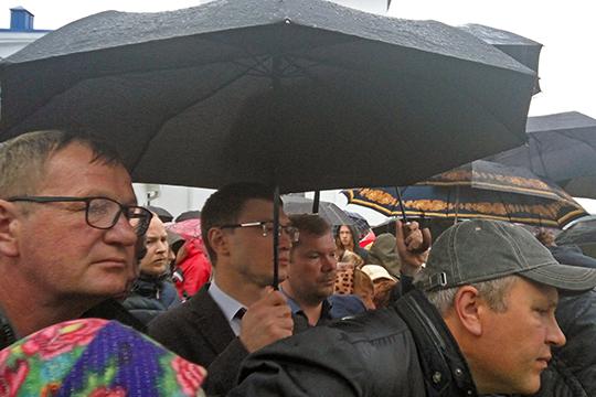 На встрече побывал и депутат Госсовета РТ от КПРФ Артем Прокофьев, а также его однопартиец, депутат Казгордумы Алексей Серов