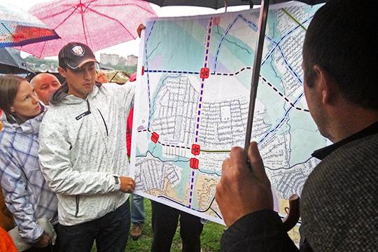По итогам схода было собрано 132 подписи. В прошлом году жители Вознесенского собрали более 600 подписей против строительства дороги