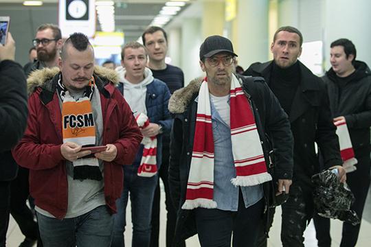 Владелец «Спартака» хотел, чтобы команда играла в Лиге чемпионом каждый год. Этого не получилось. Красно-белые вылетели из квалификации от греческого ПАОКа. Через два с половиной месяца Каррера был уволен