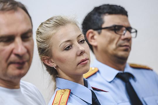 Первоначально, уМухина была лишь одна помощница— следовательЮлия Мунина. Нопозже группу увеличили
