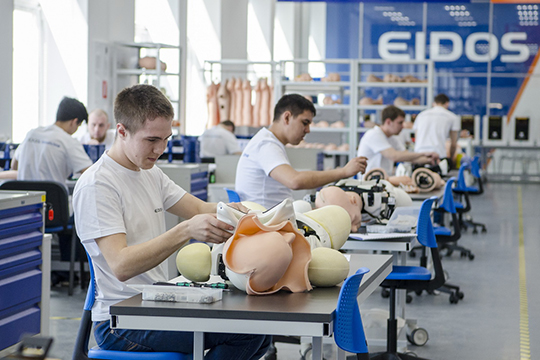 Партнером и соинвестором проекта с татарстанской стороны выступает татарстанская компания «Эйдос» — инновационная компания по разработке и производству медицинских симуляторов