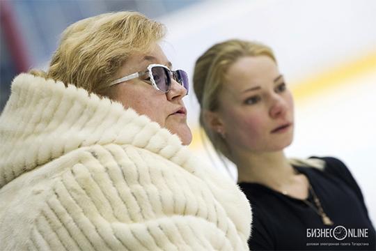 Вкоманде сТарасовой иМорозовым остаётся Мозер. Она один изсильнейших специалистов попарному катанию вмире, особенно вплане техники