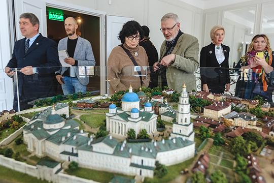 Первые посетители долго высказывали свое восхищение создателю музея