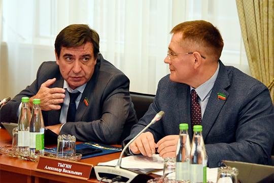 Юрий Камалтынов сообщил, что есть тема социального использования жилья и там уже имеются средства, в том числе федеральные, но подвижек не видно