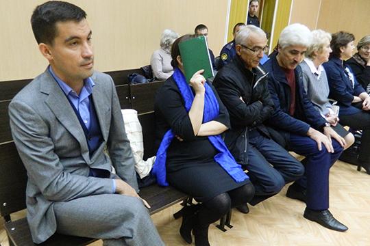 Откладовщика догендиректора: Шамиль Мингазов потянул засобой шестерых