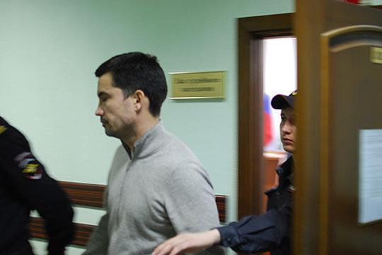 Мингазов неслучайно оказался вЗаинске— онбыл женат наАлине Фардиевой— дочери бенефициараОАО«Заинский сахар»