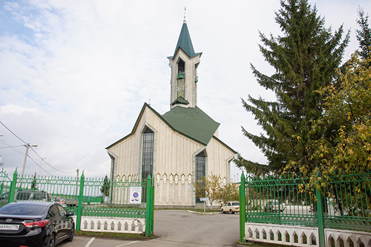 «Если выхотите обучать своих детей, товТатарстане изполутора тысяч мечетей около 700 имеют примечетские курсы,— сообщил Мухаметшин,— Вкрупных городах они есть практически при каждой мечети»