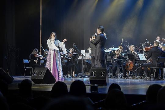 Еще на один путь развития современной татарской эстрады указал в минувшую пятницу первый сольный концерт в Татгосфилармонии молодых солистов театра им. Джалиля Артура Исламова и Эльзы Заяри