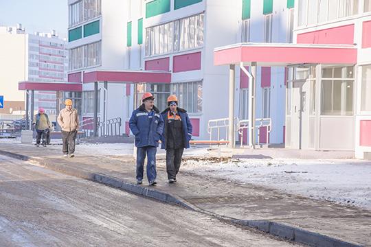 Могу огорчитьвас. Цены будут расти,— заявил Никифоров, имея ввиду стоимость 1 кв.м. всоципотечной квартире,— Сами понимаете— энергоресурсы дорожают, материалы дорожают, зарплату строителям тоже надо увеличивать