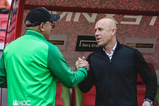 Главный тренер «Оренбурга» Владимир Федотов до вчерашнего вечера был первым для Ротенберга кандидатом на пост тренера «Сочи». С ним вели предметные переговоры, но в итоге специалист ответил отказом