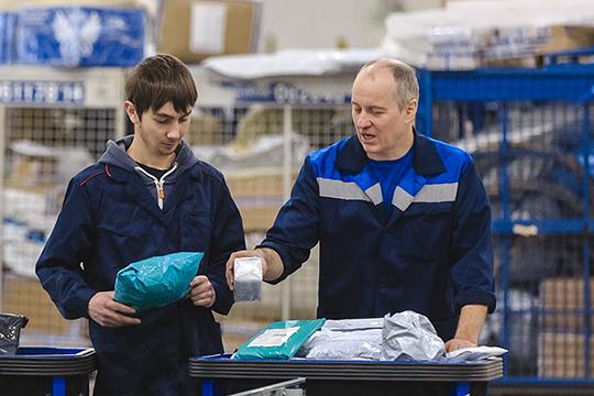 «80% доставляем через логистические компании, включая «Почту России» (она неожиданно стала конкурентоспособной и во многие населенные пункты доставляет дешевле и даже быстрее)»