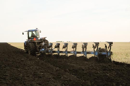 «Для производителей ипереработчиков сельхозпродукции банк внедрил новый продукт— «Микро АПК», предназначенный для юридических лиц напроведение сезонных работ ипополнение оборотных средств»