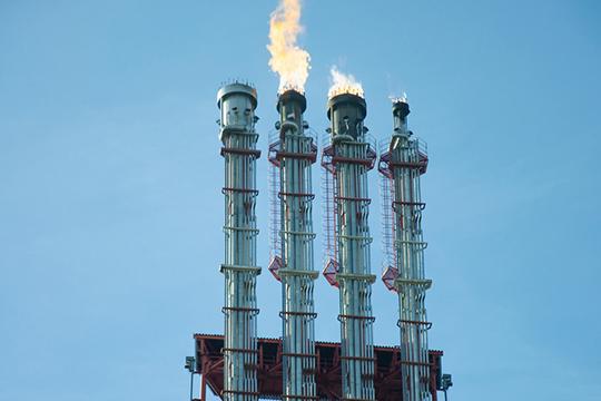 Речь можетидтио100тыс. тонн нефти инефтепродуктов (понекоторым данным 130тыс. тонн) сущербом более 2млрд рублей