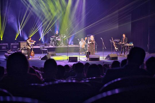 «Шесть дней любви» пропела в начале этой недели на сцене Камаловского театра известная татарская певица из Автсралии Зуля Камалова