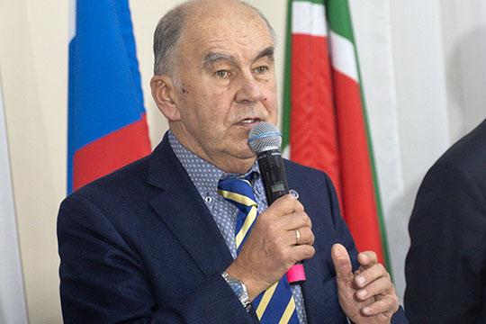 Шамиль Агеев назвал уходящий год тяжелым, но в целом позитивным для республики. Он сообщил, что в ТПП побывали 168 делегаций, а членов палаты стало на 247 больше