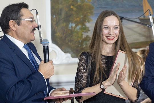 Гамиль Ахунов: «Думаю, здесь много тех, кто родился и вырос в деревне, и не понаслышке знает, что такое труд крестьянина, поэтому я предлагаю денежную часть премии передать Алене…»