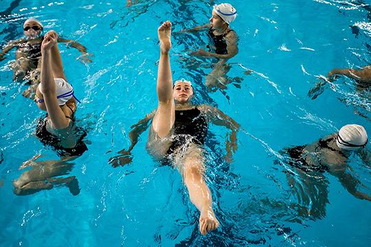 «Синхронное плавание набирает обороты, имеет мощную поддержку нашего правительства. Наша школа имеет общероссийское значение, поэтому за ней будут следить в Москве»