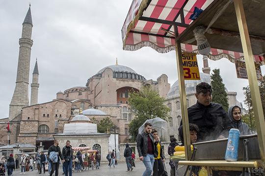 «Российская экономика задесять лет (с2008 по2018 годы), даже сучетом присоединения Крыма иприсчетом ихэкономики кнашей, выросла всего лишь на8%…Турция выросла на65%, Грузия— на46%, даже Нигерия— на50%»