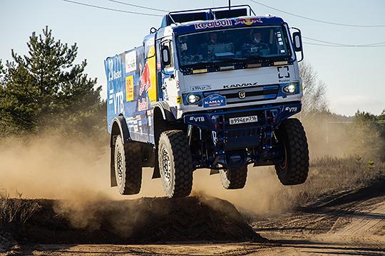 Одним из наиболее значимых событий в мире автоспорта можно назвать стартовавший на прошлой неделе ралли «Дакар».Честь страны отстаивает челнинская команда «КАМАЗ-Мастер»