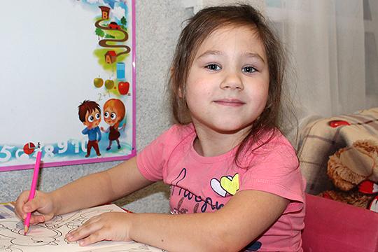 На операцию для Софьи нужно собрать 371544 рубля