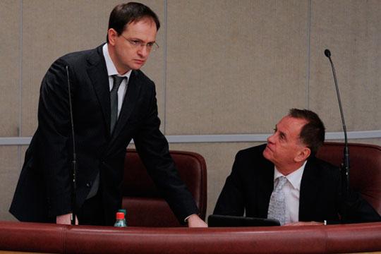 Андрей Бусыгин (справа) в 2006–2008 годах был замминистра культуры и массовых коммуникаций РФ, в 2008-2013-м — на том же посту замминистра, только уже министерства культуры РФ
