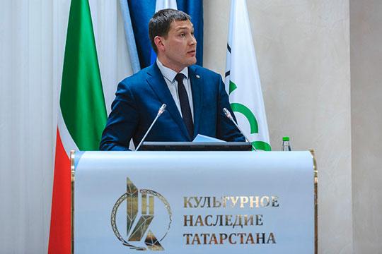 Иван Гущин отметил, что весь год комитет концентрировал свое внимание на выполнении поручений руководства республики, поставленных на коллегии год назад
