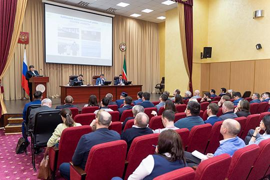В минсельхозпроде РТ накануне собрались представители торговых сетей и госорганов, они обсудили болезненную тему — продвижение татарстанской продукции в ритейле