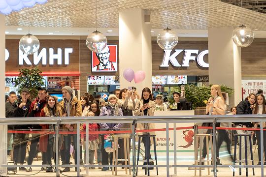 """«Cидели 109 человек, из которых 32 сделали заказ в """"Бургер Кинге"""", 28 — в KFC. Получатся, что из 11 точек более 50 процентов заказов — у двух!»"""