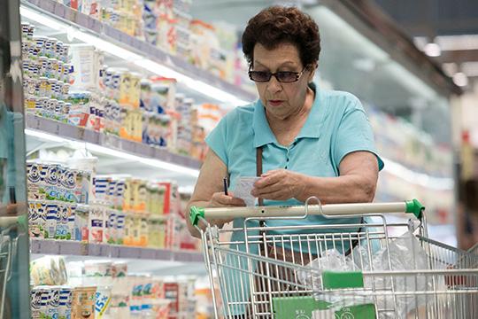 «Средний чек вырос примерно на2-2,5 процента. Если верить данным Росстата, вПФО подоходам надушу населения мыидем вторыми после Перми изаметно отличаемся отсоседей»