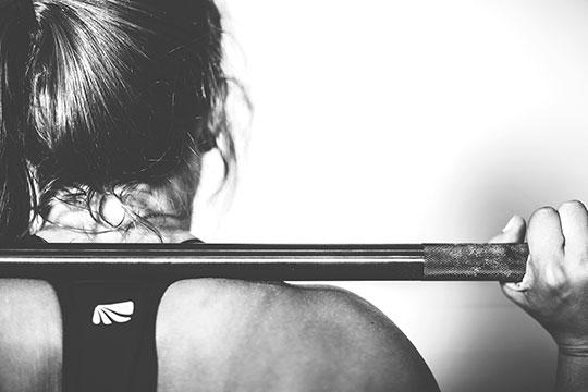 Появление боли после физической нагрузки говорит отом, что есть проблема впозвоночнике, которая обострилась врезультате неправильного движения
