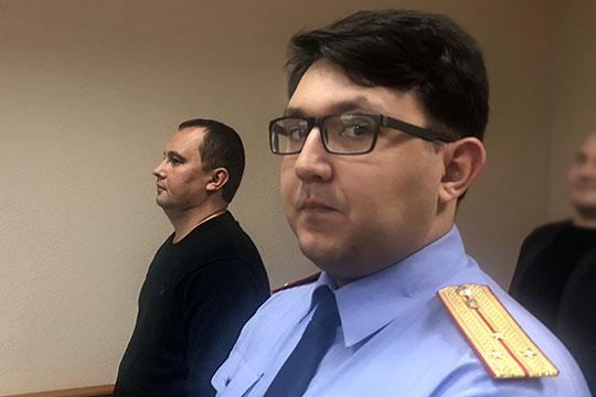 Закрыть заседание для журналистов попросил следователь 4-го отдела поособо важным дела СК. Витоге ходатайство следователя ипозициязащиты остались втени