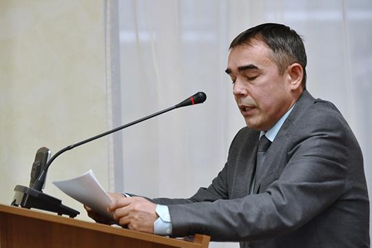 Ильгам Гумероврассказал отом, что ведутся уникальные исследования вобласти эпиграфики, когда спомощью надписей могильных плит изучают историю татарского народа