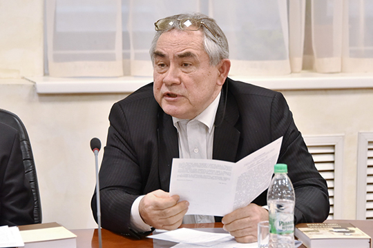 Марат Лотфуллинзаявил, что проблема татарского вотсутствии хорошей системы тестирования знаний