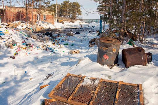 Пословам Богатова, достаточно заехать влюбую удаленную деревню изаглянуть вближайший овраг иувидеть там кучи мусора