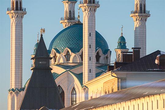 «Православие и ислам — это тоже линия расхождения, по ней чуть раньше или чуть позже общество все равно разломится»