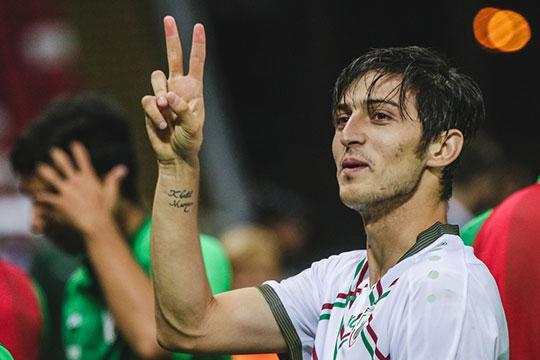Азмун втащил Иран вполуфинал Кубка Азии