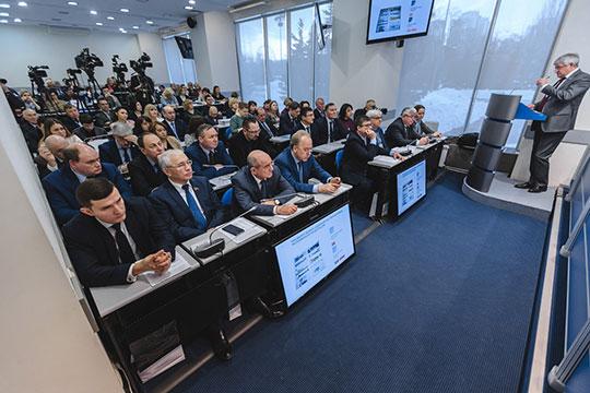 Зарипов в своем докладе похвастался, что Татарстан входит в число регионов, насыщенных медиа. По данным Роскомнадзора, на январь 2019 года в республике зарегистрировано 929 СМИ